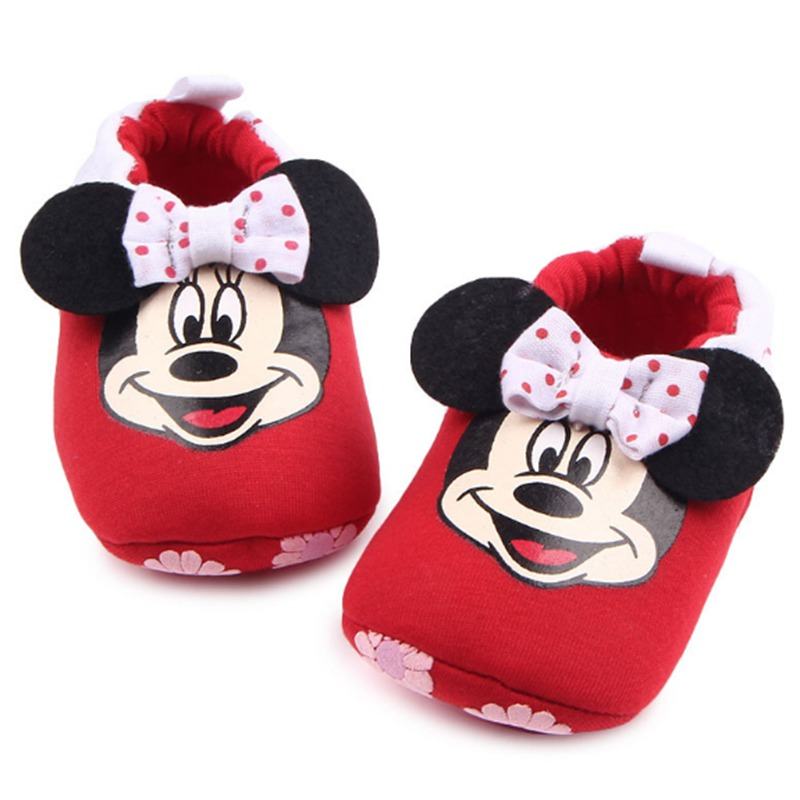 Cute Mickey Minnie Baby Slippers Comfortable Newborn Baby Crib Shoe Soft Sole Bebe Boy Girl Home Shoes Baby Family First Walkers