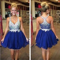 Charming V Neck Royal Blue Homecoming Dresses 2017 Mini Short Beaded Crystal A Line Party Dresses