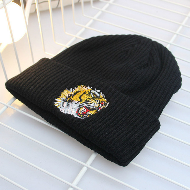 2018 New Women Winter Knitted Wool Cap Beanies Unisex Casual Hats & Caps Men Solid Color Hip-Hop Skullies Beanie Warm Hat