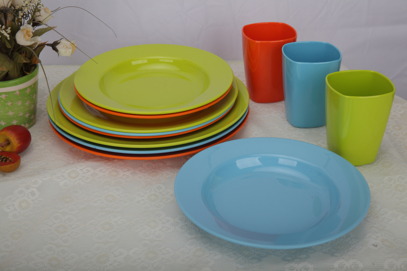 12 piece Melamine Dinnerware Serving Set For Outdoor Indoor Dining