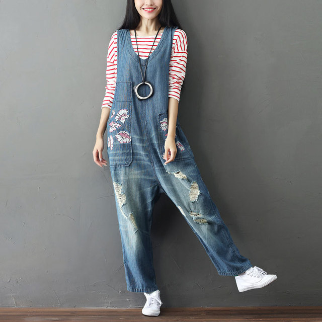 9f1328324da4 Plus Size Ripped Denim Romper Women Jumpsuit Hole Print Loose Casual  Suspenders Trousers Destroyed Rompers Overalls Femme Bib