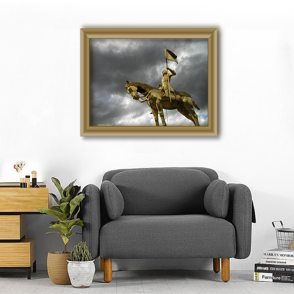Unframed Canvas Painting European Golden Riding Warrior Sculpture Print Painting Posters Wall Picture For Living Room Home Decor