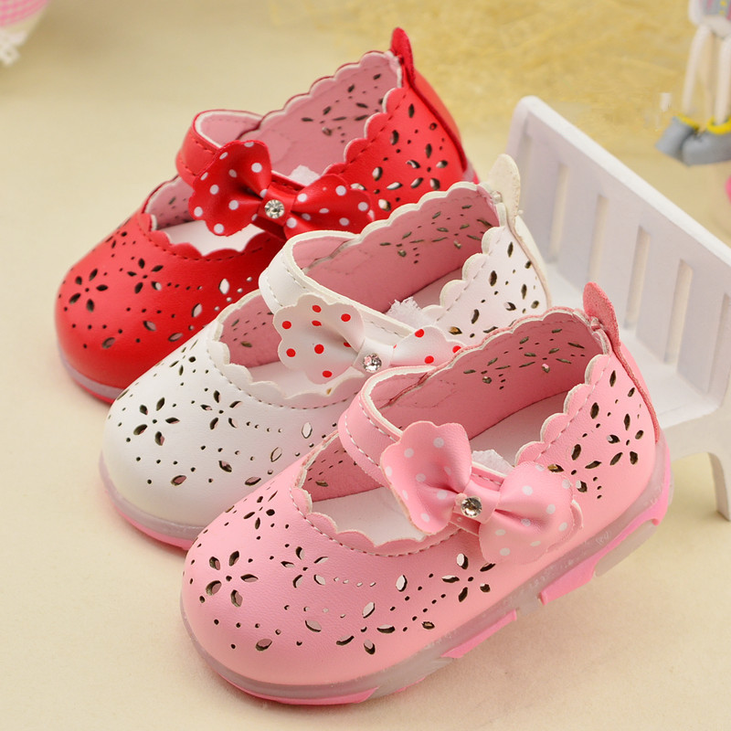 2c7ecc518348 Child Baby Girls Sandals Fashion Shoes Summer Kids Sandal Flat With Bow  Cut-Out Princess Cute Flash Hollow Shoes 1-2 Years