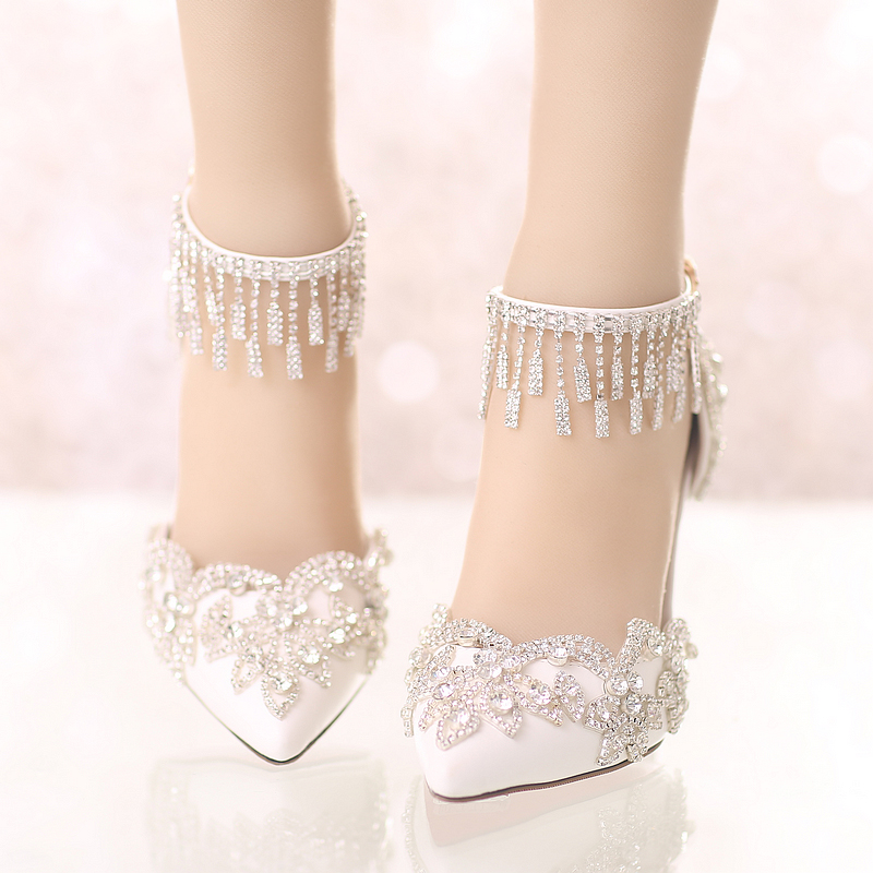 The new summer white crystal wedding shoes with pointed high-heeled shoes a super fine bride buckle with Rhinestones sandals the new 2017 white satin high with the bride shoes waterproof slipper wedding shoes picture taken single shoes for women s shoes