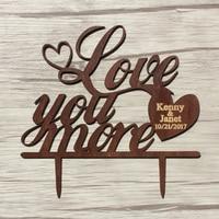 Drewno Wedding Cake Topper, Chic Prezent dla Kocham Cię Bardziej Party Dobrodziejstw Dekoracje, Spersonalizowane Drewna Ciasto Topper, rocznica Topper