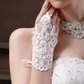 Hot Sale Fingerless Wrist Length Lace Appliques White Bridal Lace Wedding Gloves Wedding Gloves Accessories Decoration