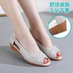 Image 3 - 2020 новые сандалии на танкетке Женская летняя обувь повседневные женские летние сандалии без шнуровки однотонные сандалии на платформе размера плюс 35 43 m833