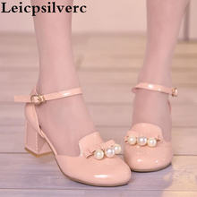 Новые весенние женские туфли с круглым лаком и милым бантом