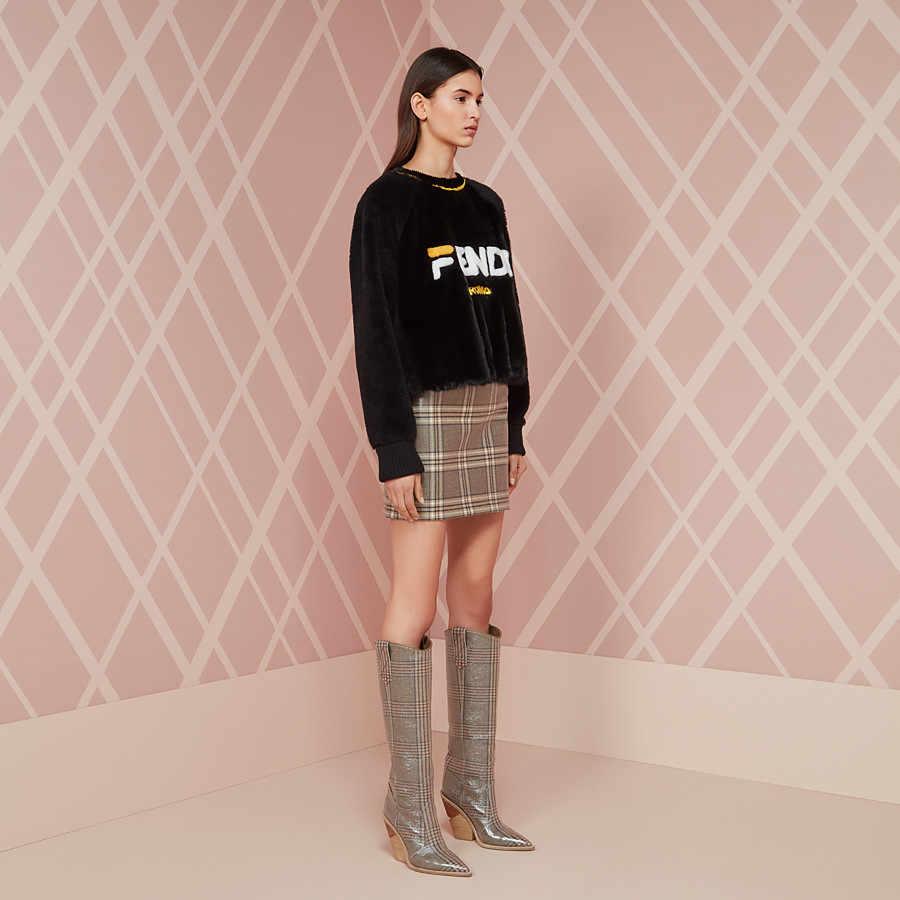 Seksi Kabartmalı Pist T Gösterisi Diz Yüksek Çizmeler Sivri Burun Kadın Takozlar Garip Yüksek Topuk Şövalye Çizmeler Batı Ekose Uzun çizmeler