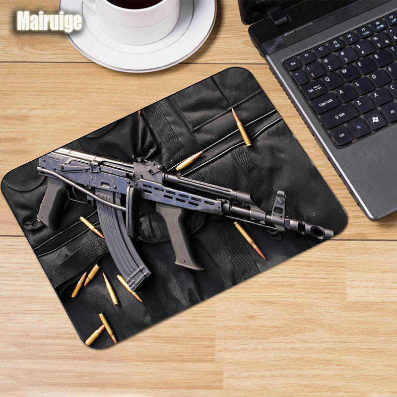 Mairuige The cool Guns Weapons Pattern mouse pad Customized Comfortable  Rubber Anti-skid pc Table Mat for decoration tabletop