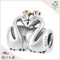 Buena calidad amor romántico cisne diseño de plata del grano