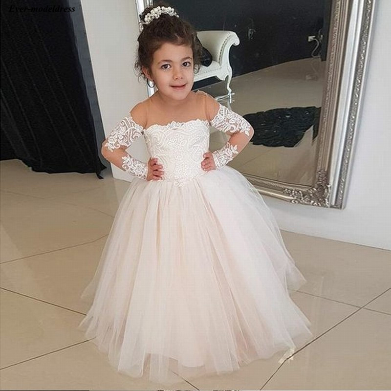 Cute Flower Girls Dresses O Neck Ball Gown Lace Appliques Long Sleeve Sheer Neck Floor Length Pageant Party Gowns Tulle Cheap