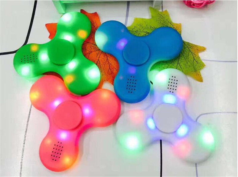100pcs dhl Fidget Spinner with Built in LED Bluetooth Speaker Hand Spinner Tri Finger Spinning Top