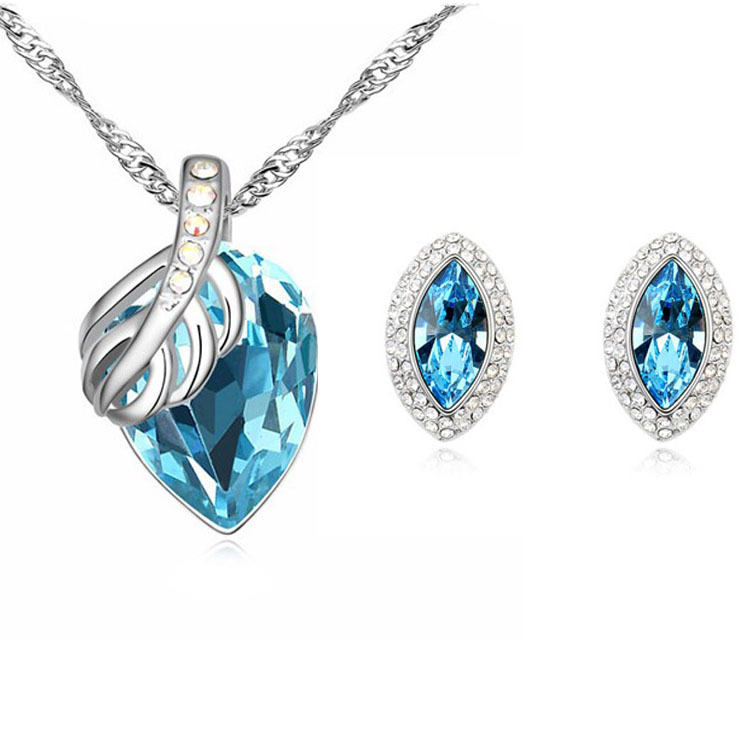 2de282cdb0be Al por mayor de Austria joyería de moda COLLAR COLGANTE de cristal  austriaco Pendientes de broche boda joyería para las mujeres nupcial de la  boda
