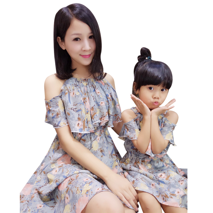 549c9532cd2 Mother Daughter Dresses 2018 Summer Family Matching outfits behemian style  Mommy and Me Clothes family dress mom s Beach Dress-in Matching Family  Outfits ...