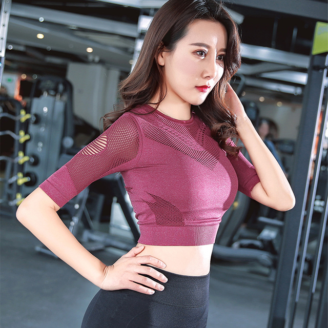 Loose Shoulder Half Sleeve Yoga Tops With Cutout