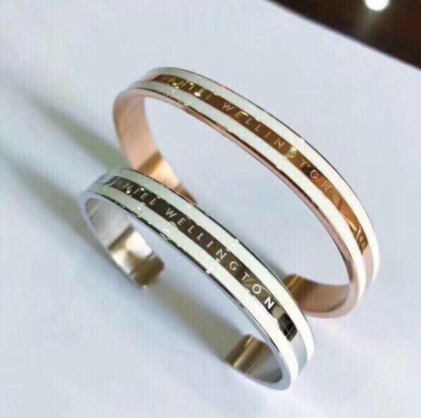 2 teile/los Neue Breite DW Armbänder Manschette Rose Gold Silber Armreif 100% Titan Stahl Armband Gravierte Logo Buchstaben Für Frauen männer