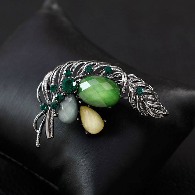 Vintage Leaf Brooch Women Jewelry Accessories