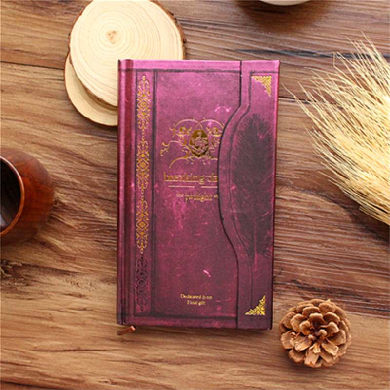 The new color page notebook vampire style planning this retro hand European and American selling Christmas gifts стул page