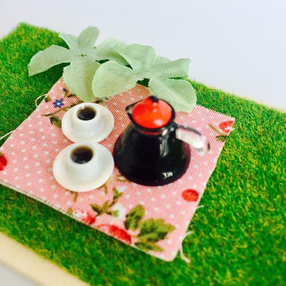 DOLLHOUSE IGMA 1:12, 2 Miniature McVicker Filled Brandy Snifters