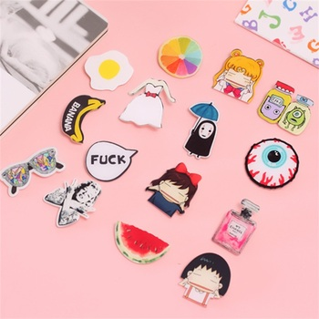 1 PCS Cartoon Badges for Clothing Free Shipping Kawaii Animals  Badges Decoration Icons on The Backpack Badge Badge Holder & Accessories