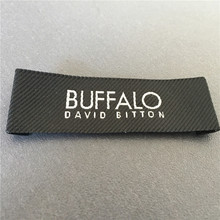 New Fashion High Density Twill Background Clothing Main Labels Woven Label