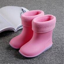 d5632ab63 Botas de lluvia de PVC impermeables para niños pequeños zapatos de Color  caramelo antideslizante zapatos de agua para niños niña.