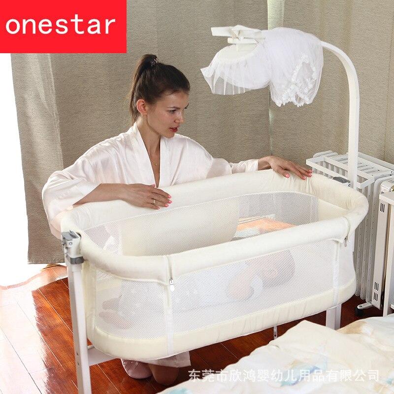 Lit latéral en bois de berceau multifonctionnel portable épissure de rouleau lit de reine lits d'enfants berceau de bébé