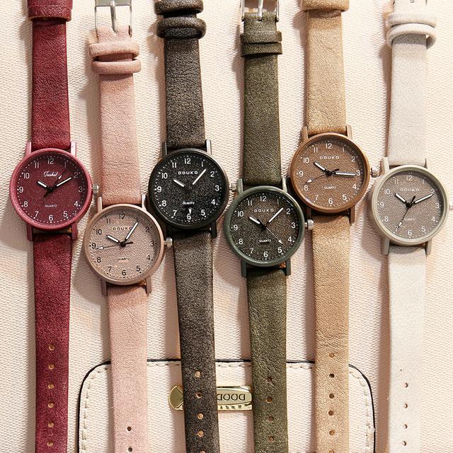 2018 Top Brand Women Watches fashion Quartz watch for Ladies leather band brown black Retro Wrist Watch female vintage watch