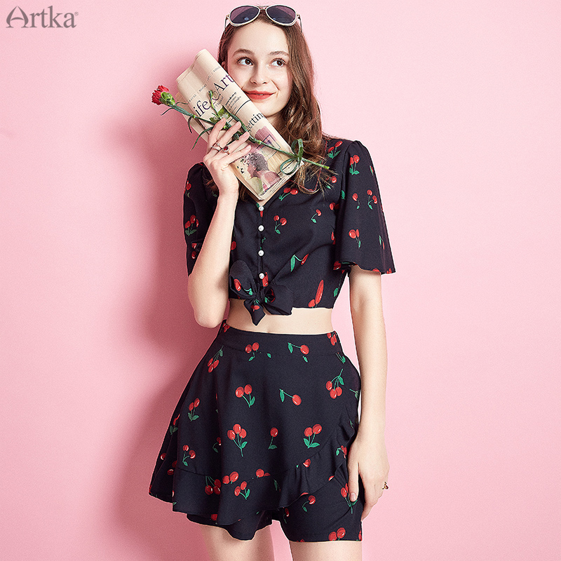 ARTKA 2019 Summer New Women Set Fashion Flare Sleeve Sweet Print Set Bow Button Design Crop