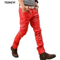 Tsingyi primavera Rojo Negro remache Faux cuero Pantalones hombres flacos streetwear motocicleta lápiz pu cuero Pantalones casual Pantalones