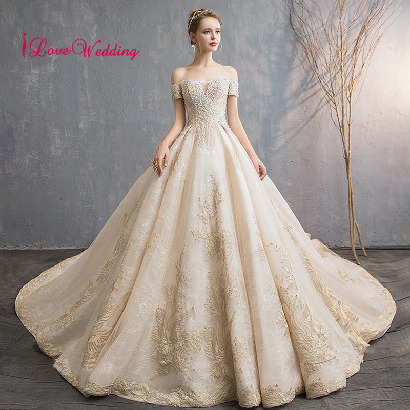 New Arrival 2019 Off the Shoulder Lace Ball Gown Wedding Dress Custom made Applique Court Train