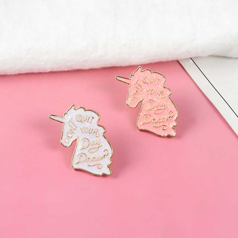 """Hewan Putih Pink Glitter """"Tidak Berhenti Day Dream"""" Lapel Pin Lucu Bros untuk Wanita Gadis Hadiah untuk wanita"""