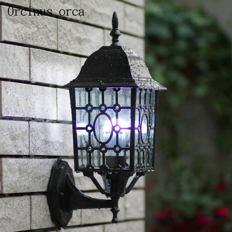 Chinese antique outdoor wall lamp courtyard corridor balcony creative personality LED iron art waterproof wall lamp