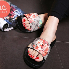 20d6f426a Famosa Marca de Design de Luxo Mulheres Da Cópia Da Flor de Gerânio Chinelos  Sandálias de