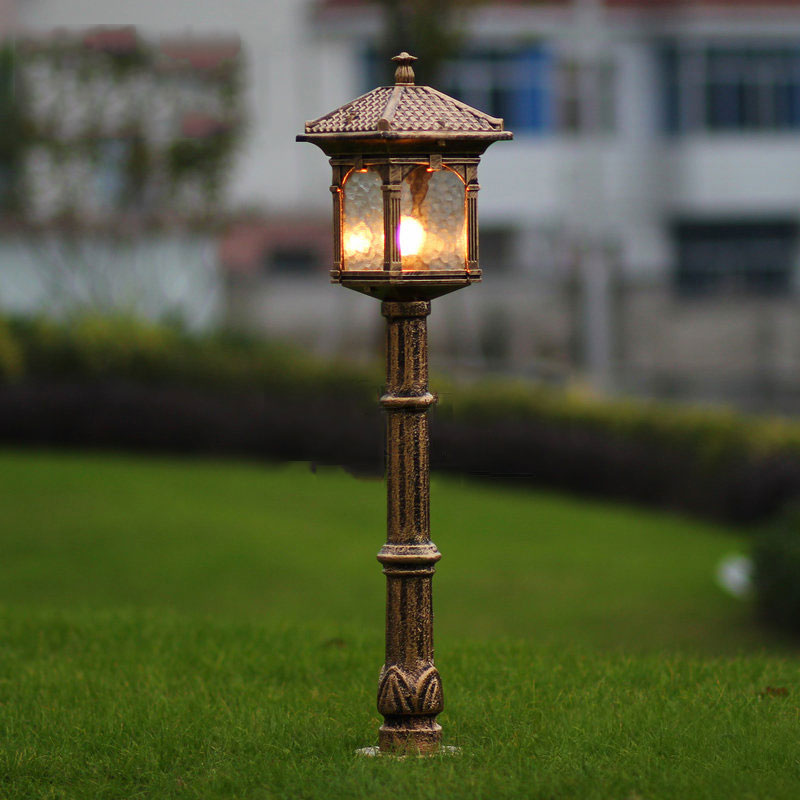 Fashion europe lawn lamp outdoor garden light luxury for Luxury outdoor lighting
