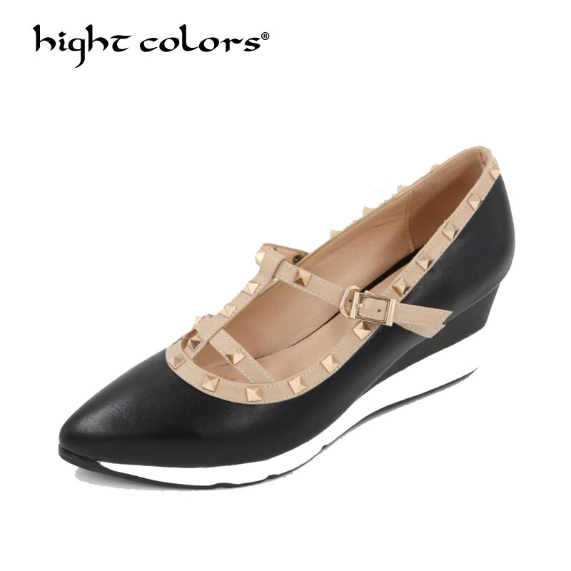 все цены на Sexy Pointed Toe Ankle Buckle T Strap Rivets Med Wedges Heels Platform Pumps Sale Solid Lady Party Dress Leather Shoes HC620