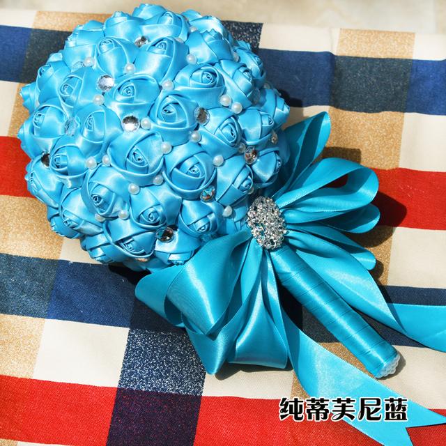 2017 dama de Honor Nupcial de La Boda Bouquet Barato Nueva Llegada Azul del Satén Hecho A Mano Rosa Artificial Flores de La Boda Ramos de Novia