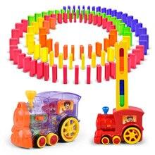 Automatico Posa Domino Mattoni Train Car Set Luce Del Suono Dei Bambini di Plastica Variopinta Domino Blocchi di Gioco Giocattoli Regalo per I Ragazzi Della Ragazza