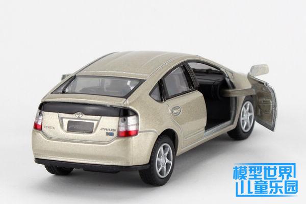 Toyota Prius (4)