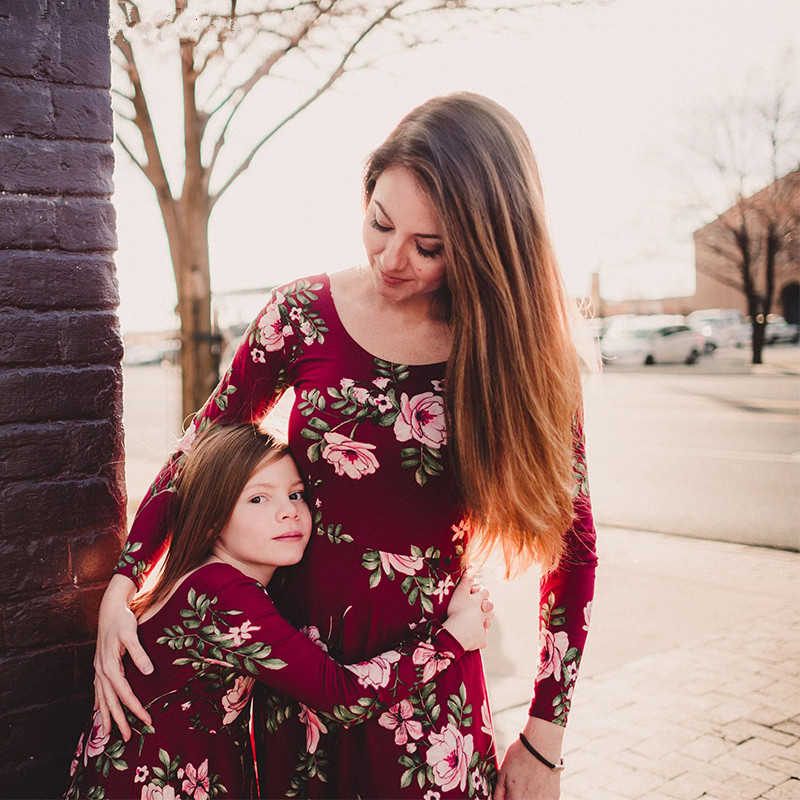 4dd6e29f449e7 LILIGIRL Mommy and Me Dress Baby Girls Clothes Wine Floral Print Vestidos  Mom Daughter Dresses Family Matching Clothes Outfits