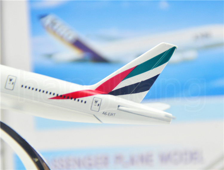 The United Arab Emirates Airline B777 16cm airplane child Birthday gift plane models kits toys Free Shipwping Christmas gift