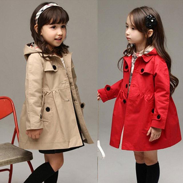 2017 envío libre Al Por Menor de Alta calidad! niñas capa de foso niño hoodies prendas de vestir exteriores para niños otoño chaqueta larga