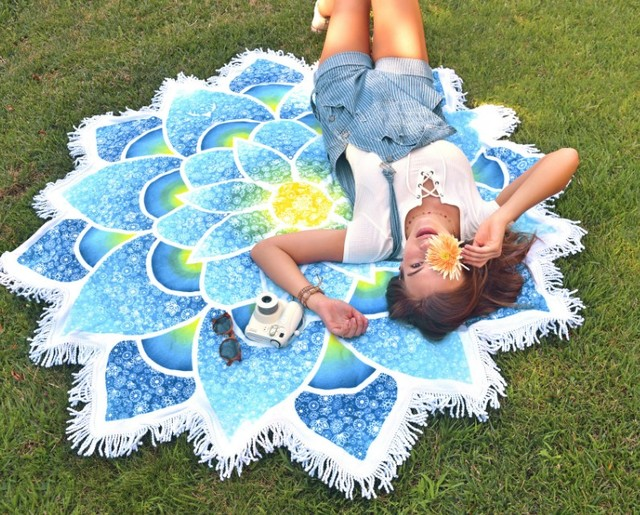 New 2017 Beach Wear Wraps Scarves Round Beach Mat Flower Print Tassel Patchwork Cover-Ups Pashmina Holiday Women Clothing A61205