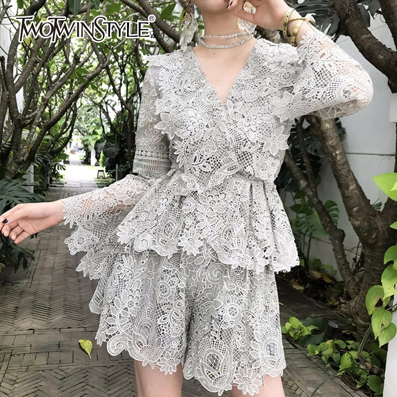 TWOTWINSTYLE Lace   Blouse     Shirt   Women Flare Sleeve Sexy V Neck Tops Female Casual Clothes Elegant Fashion 2018 Autumn Large Size