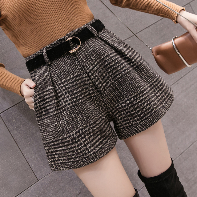 2019 New Autumn Winter Wool Shorts Women Korean High Waist Plaid Wide Leg Shorts Femme Casual Loose Boots Shorts 3
