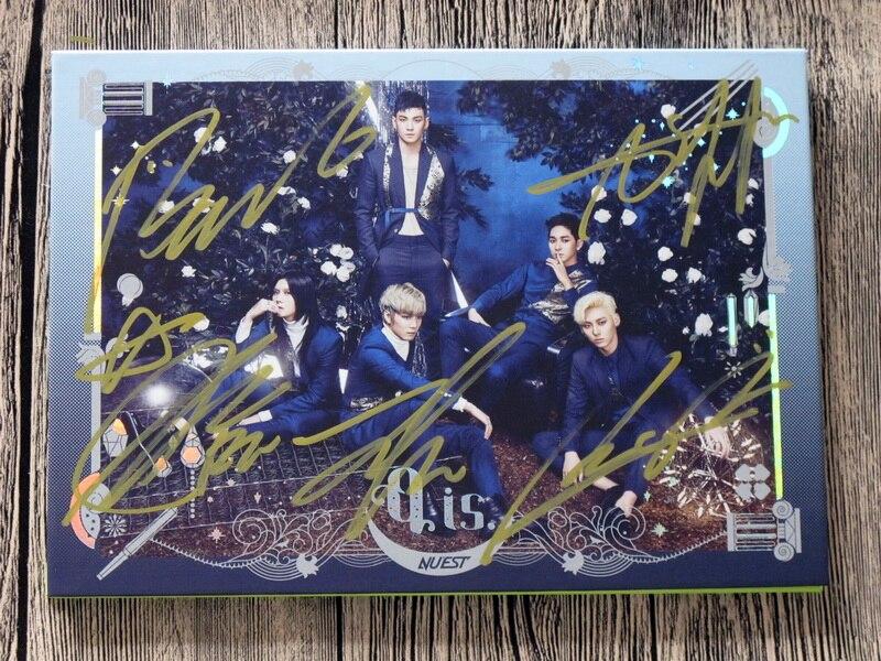NUEST NU EST Autographed 2017 mini 4th album Q is korean version KPOP 082017