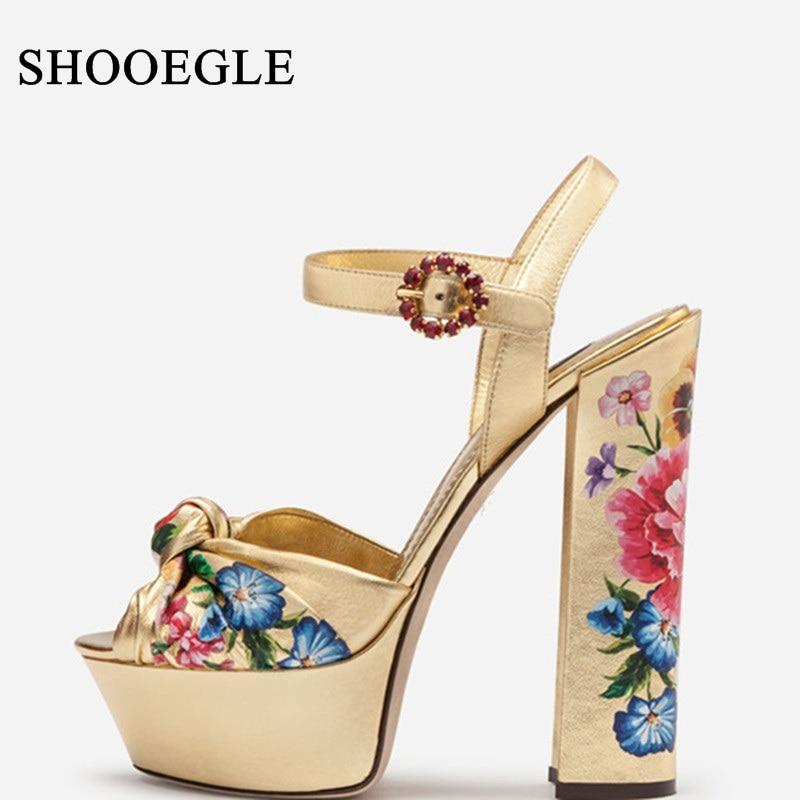 Sandalias Mujer 2019 kobiety złoty buty kwiat drukowanie wysokie obcasy sandały na platformie klamra pasek Peep Toe sukienka na imprezę buty w Wysokie obcasy od Buty na  Grupa 1