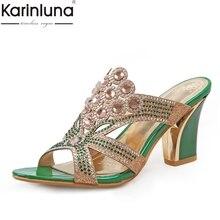 afa3d79d59 KARINLUNA 2019 Design Da Marca Big Size 32-44 Cristais de Moda Verão das  Mulheres Sapatos de Salto Alto Partido Mulher Mulas bom.