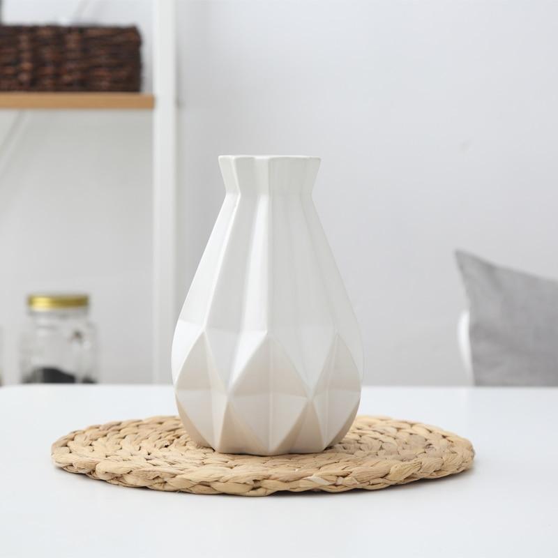 Europe Brief Matt Diamond Porcelain Vase Modern Fashion Ceramic Flower Vase Room Study Hallway Home Wedding Decoration Drop Ship